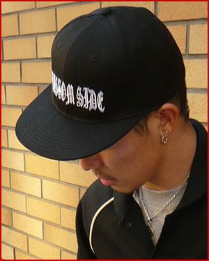 """【FLAT VISOR FLEX CAP】""""KUSTOM SIDE""""写真"""
